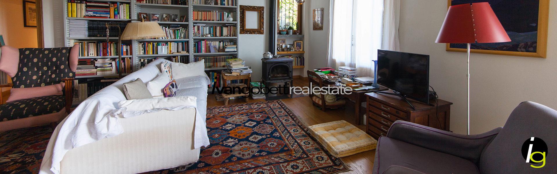 For sale stone villa with a panoramic view of Lake Maggiore, Verbania