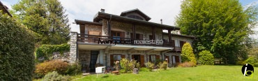 For sale stone villa with a panoramic view of Lake Maggiore, Verbania