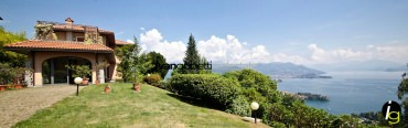 (English) For sale Villa on Lake Maggiore Stresa
