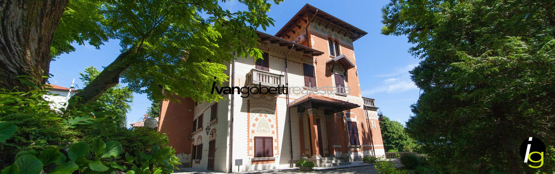 Historic villa with park, dependance and Lake Maggiore view