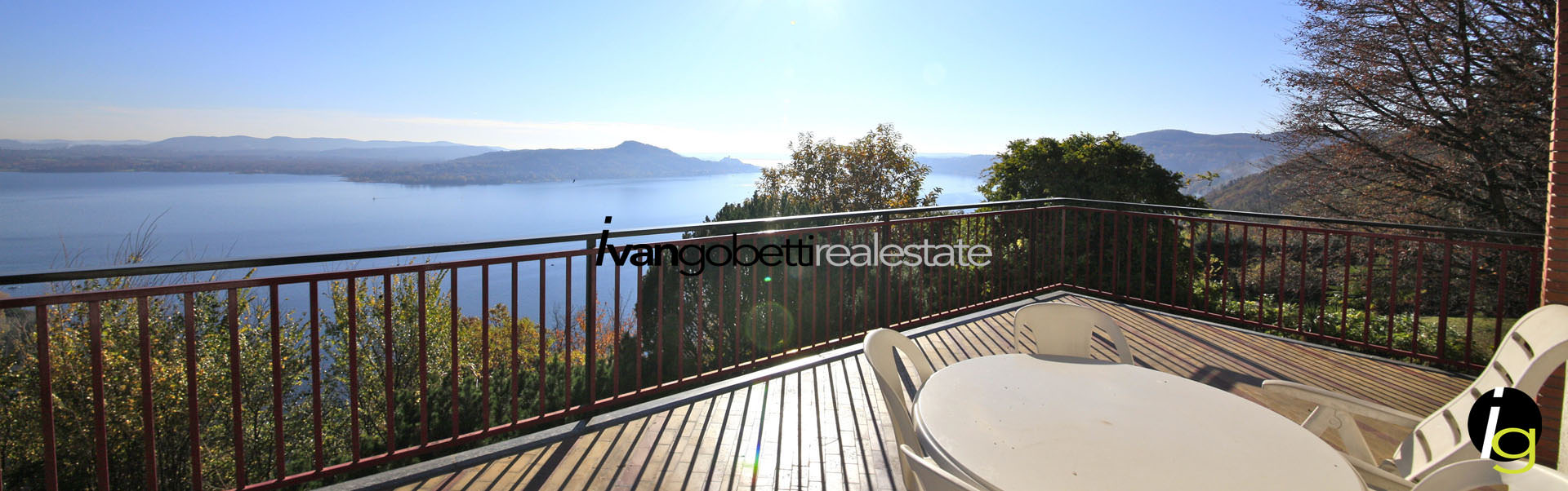 Lago Maggiore, Lesa, Italia vendesi Villa signorile con vista lago
