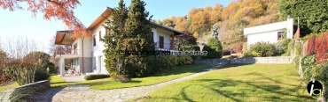 Lake Maggiore, Lesa, Italy refined Villa with lake view for sale