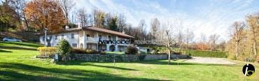 Castelletto Ticino, am Ufer des Ticino gelegen prächtige Villa zu verkaufen