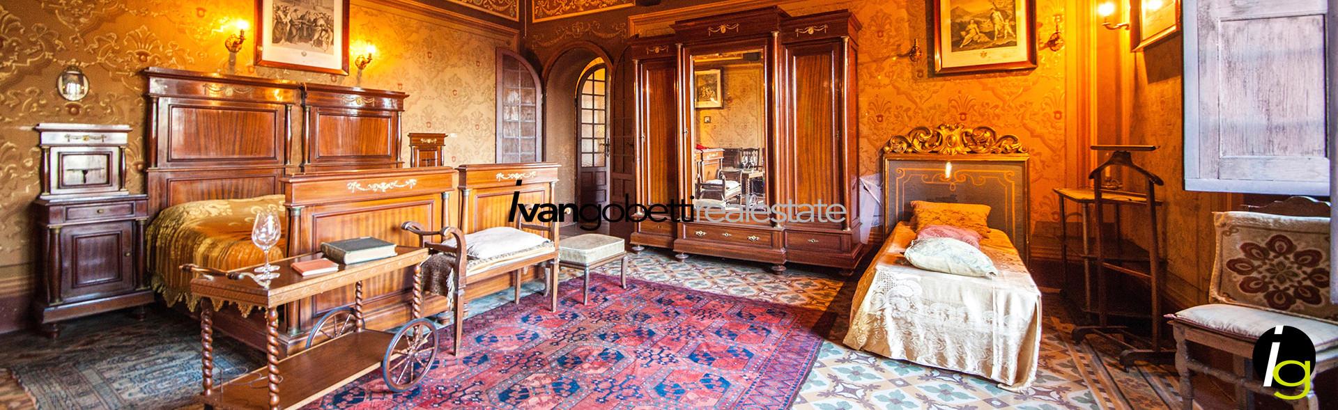 Borgomanero, in vendita affascinante Castello del 1700 con giardino.