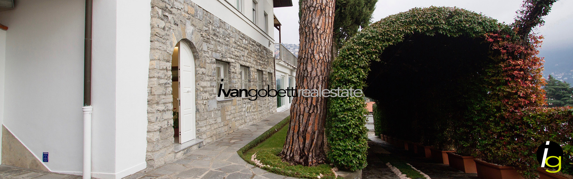 Como Lake, Cernobbio magnificent Villa for sale with view of the lake