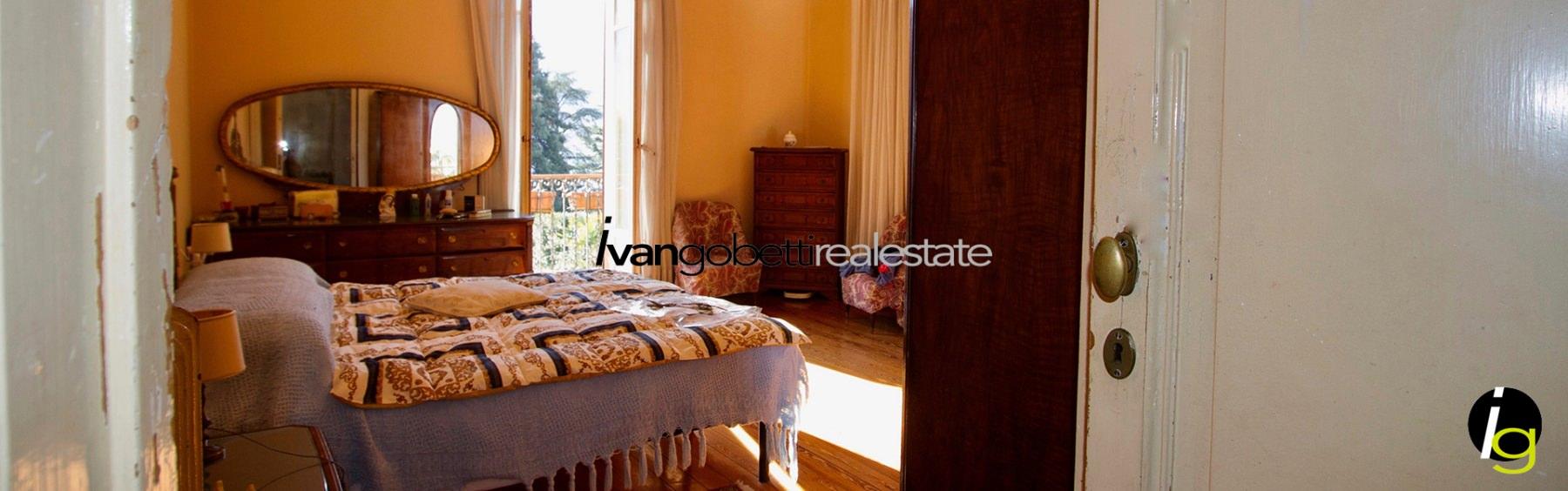 Lake Como, Mezzegra villa for sale with view