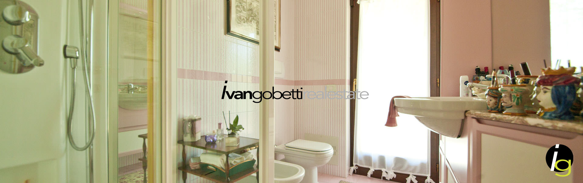 Luino, Lago Maggiore Lussuosa Villa in vendita con parco botanico e piscina.