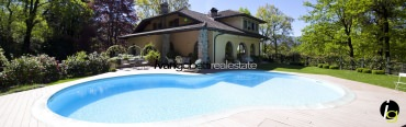 Luino, Maggiore Lake for sale ville with botanic garden and pool