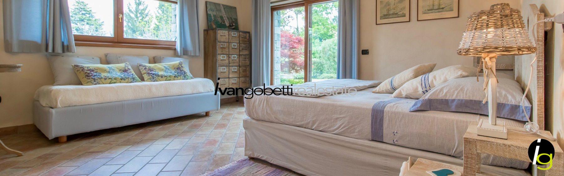 Lake Como, Menaggio villa with pool and lake view for sale