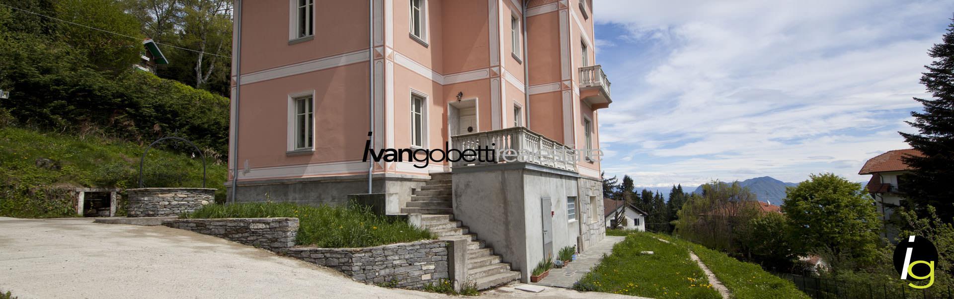Signorile Villa d'epoca in Stresa Collinare