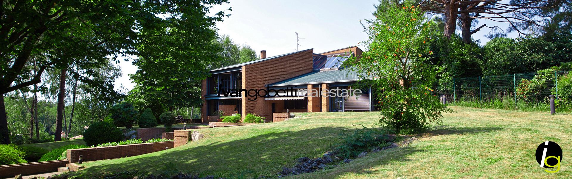 Modern design villa for sale in Como