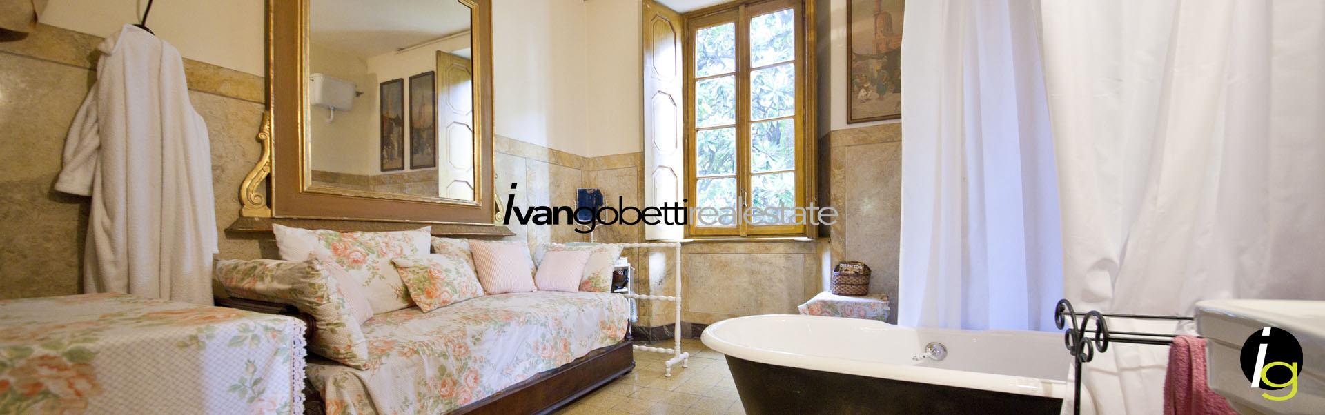 In vendita storica villa sulle rive del Lago Maggiore