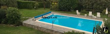 Vendesi Lago Maggiore Massino Visconti Villa con parco e piscina