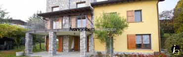 Lake Maggiore Massino Visconti Villa with park and pool for sale