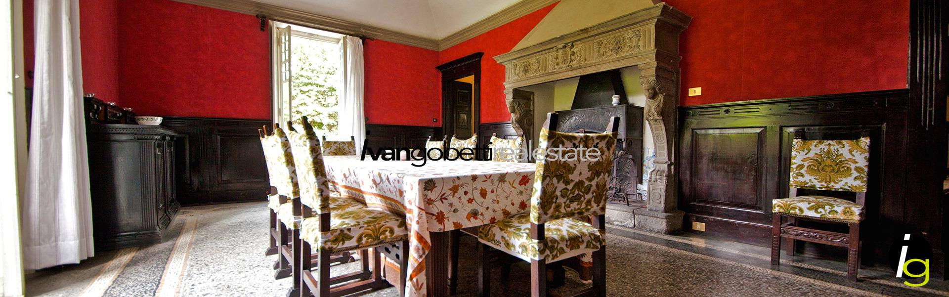 Stupenda Villa del 900' con parco sul Lago di Como Griante