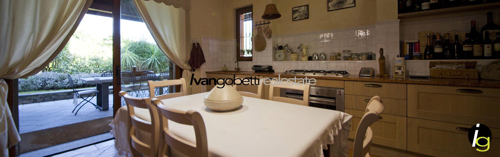 Vendesi a Verbania Lago Maggiore Villa indipendente con ampio giardino e vista lago