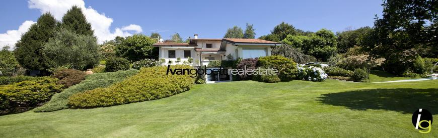 Modern villa with swimming pool and park in lake Maggiore