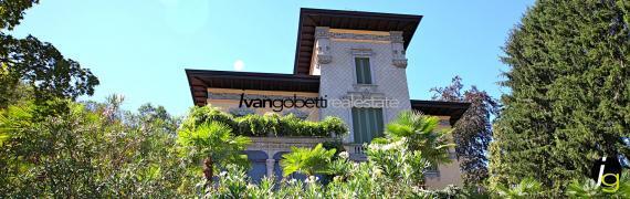 Historische Villa am Maggiore See zu verkaufen