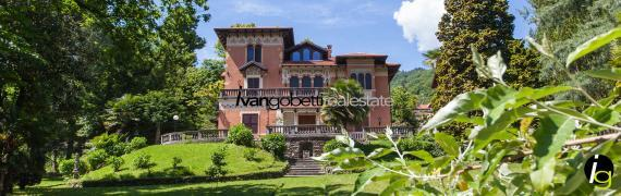 Maggiore See, Historische Villa mit Park, Depandance und Seeblick