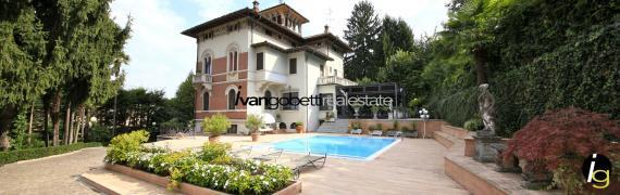 Historische Villa zu verkaufen am Stresa Maggiore See