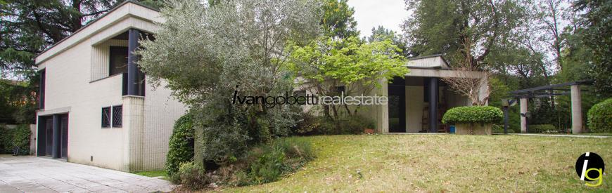 Modern design villa for Sale in Milan Legnano center